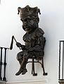31 El capgròs Mastegamosques, a la façana de l'Ajuntament Vell de Calella.JPG
