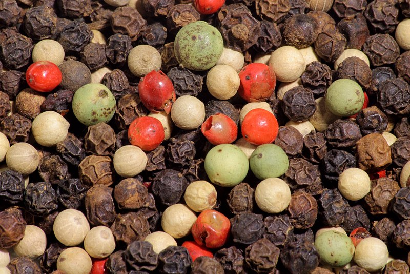 File:4 color mix of peppercorns.jpg