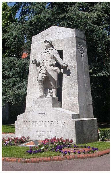 Monument aux Morts - Square du Combattant, 59 Mons-en-Baroeul