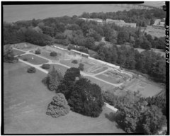 AERIAL VIEW OF GENERAL VIEW OF GREENHOUSE AREA - Lyndhurst, Greenhouse, 635 South Broadway, Tarrytown, Westchester County, NY HABS NY,60-TARY,1B-14.tif