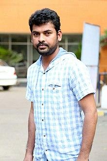 Actor Vimal at the Manjapai Press Meet.jpg
