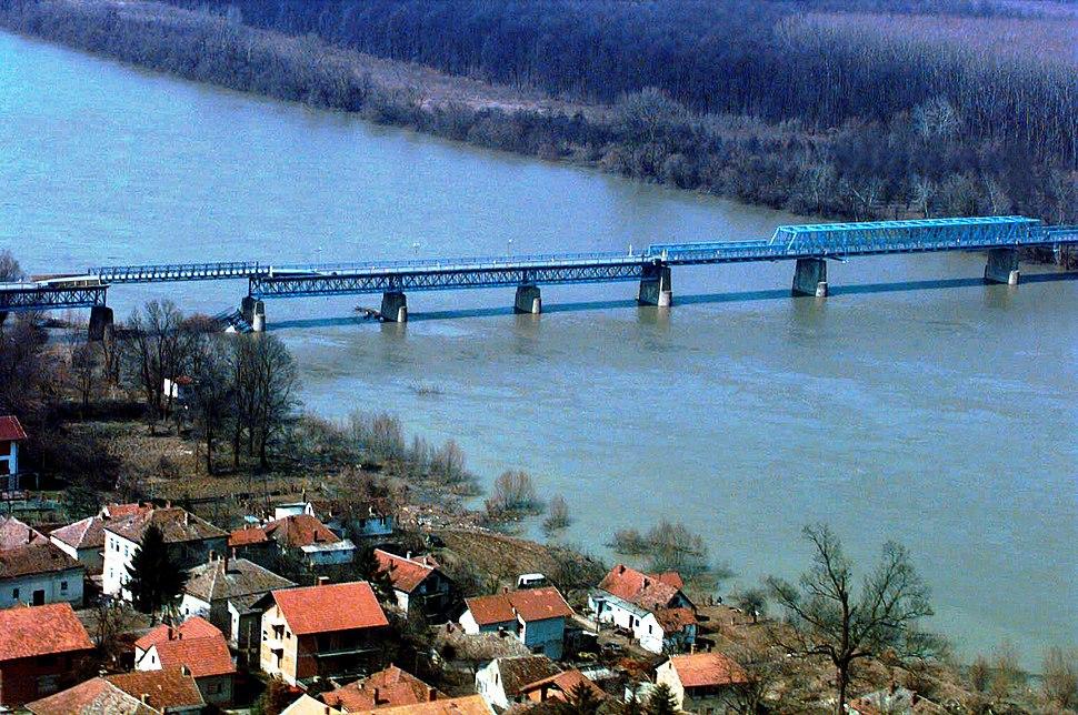 Aerial photo of Brčko Bridge in 1996