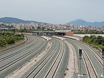Aigio railway station view from nearest overpass.jpg