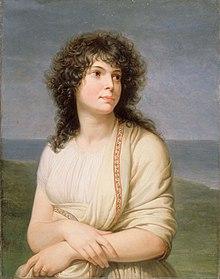 Malet portrett av en kvinne med langt, krøllete brunt hår, hun bærer en hvit stol over en hvit skjorte og krysser armene.