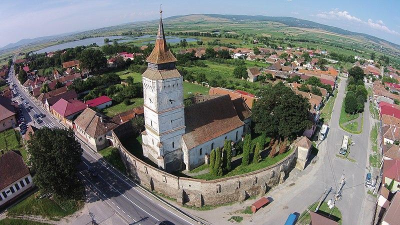 File:Ansamblul bisericii evanghelice fortificat-vedere aeriana.JPG