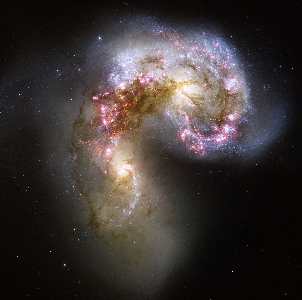 http://upload.wikimedia.org/wikipedia/commons/thumb/f/f6/Antennae_galaxies_xl.jpg/1032px-Antennae_galaxies_xl.jpg