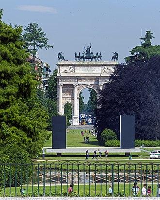 Parco Sempione - Image: Arco della Pace through Parc Sempione from Piazza del Cannone, Milan