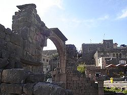 As-Suwayda The Arch of Dionysias.jpg