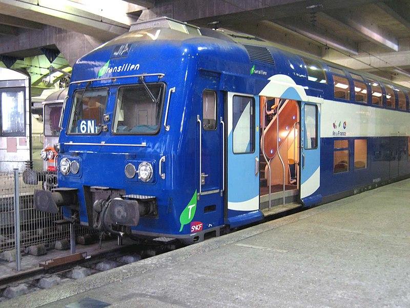 Rame de voitures banlieue à deux niveaux (VB 2N), gare Montparnasse