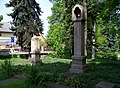 Běchovice, sad Běžců, zvonička a křížek (01).jpg