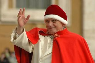 Camauro - Pope Benedict XVI sporting a rare appearance of a camauro, December 2005.