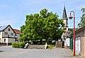 Berga (Kyffhäuser) - Friedenslinde auf dem Vorplatz vom Pfarrhof (1).jpg