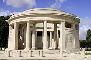 Ploegsteert Memorial to the Missing - Image: Berks Cemetery Extension 2