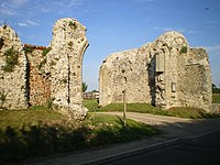 Binham Priory - the gatehouse - geograph.org.uk - 1404152.jpg