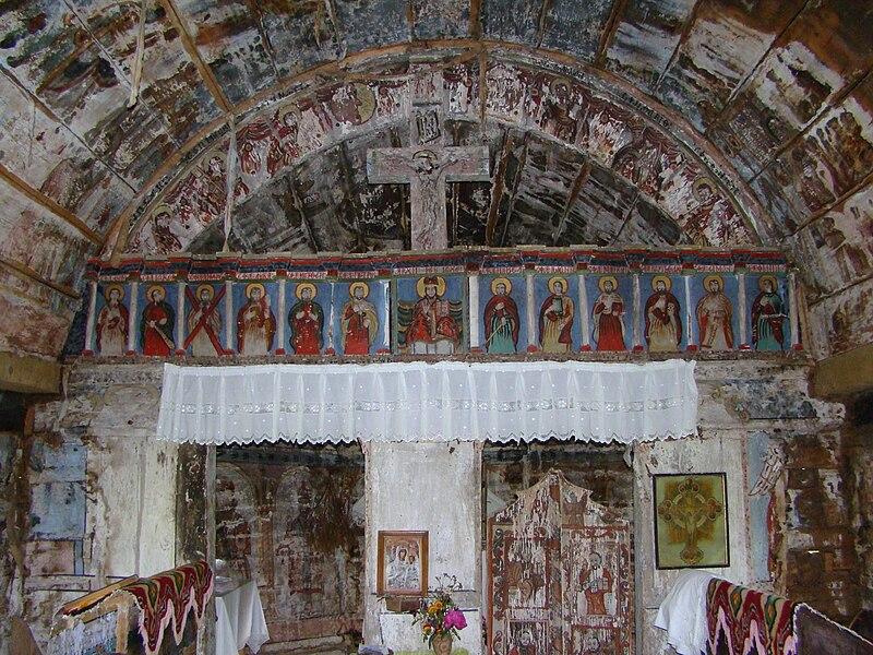 Fișier:Biserica de lemn din Drăghia (21).JPG