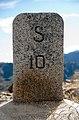 Borne frontière Grand Saint-Bernard.jpg