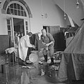 Brand in Tropenmuseum, gedeelte van dak werd verwoest, Bestanddeelnr 917-5559.jpg