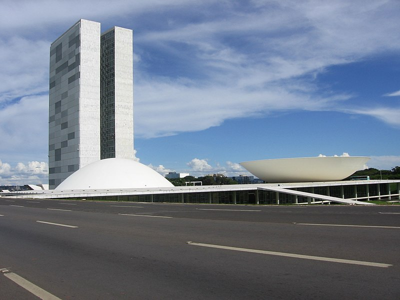[IMG]http://upload.wikimedia.org/wikipedia/commons/thumb/f/f6/Brasilia_National_Congress.JPG/800px-Brasilia_National_Congress.JPG[/IMG]