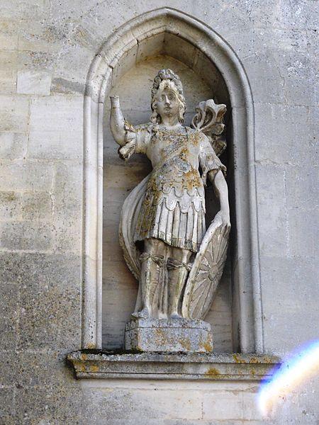 Brauvilliers (Meuse) église, statue façade, saint Michel