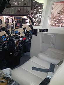 Britten-Norman Islander of Sky High - cockpit 19923.jpg