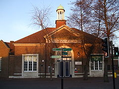 Bromley North stn building2.JPG