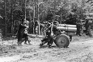 21 cm Nebelwerfer 42 - A 21 cm Nebelwerfer 42 being manoeuvred into position in France, 1944