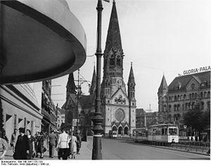 Breitscheidplatz - Auguste-Viktoria-Platz and Gloria-Palast cinema, about 1940