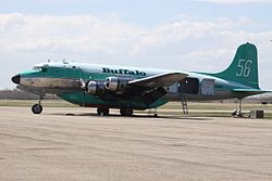 Douglas C-54 der Buffalo Airways