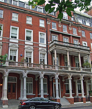 Cadogan Square - A building on the north side of Cadogan Square