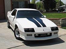 http://upload.wikimedia.org/wikipedia/commons/thumb/f/f6/Camaro1.jpg/220px-Camaro1.jpg