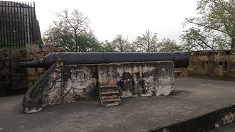Jhansi - Bhawani Shankar another cannon at the fort.