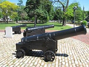 Cambridge Common Historic District - Image: Cannons on the Common Cambridge, MA