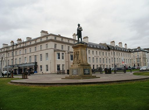 Whitby - statue of Captain Cook