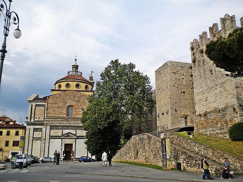 File:Carceri e castello.jpg