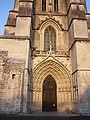 Cathedrale Saint-Pierre de Saintes - porte.jpg