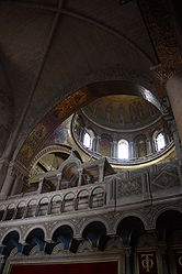 Catholicon dome, Holy Sepulchre 2010 4.jpg