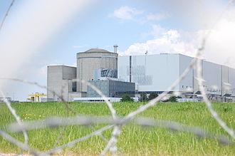 Blayais Nuclear Power Plant - Image: Centrale nucléaire du Blayais 2
