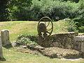 Château de Bandeville pompe à eau.JPG