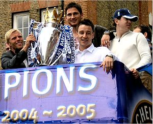 Frank Lampard - Lampard celebrates winning the 2004–05 Premiership with Eiður Guðjohnsen and John Terry