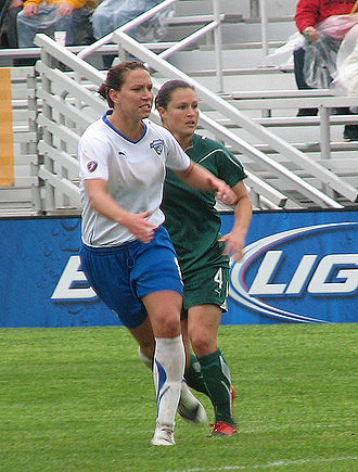 Lauren Holiday - Holiday playing in the rain against Saint Louis Athletica.