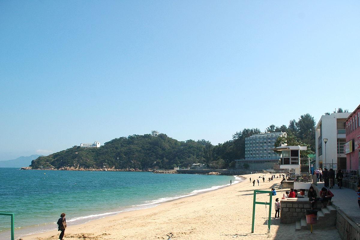 Cheung Chau Tung Wan Beach and Warwick Hotel (Hong Kong)..jpg