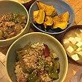 Chicken and veggies over brown rice, roasted acorn squash, miso soup with tofu and scallions 鶏肉と野菜のうま煮玄米丼、エーコーンスクワッシュロースト、ネギと豆腐の味噌汁.jpg