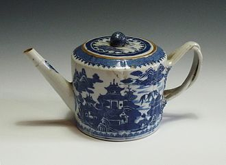 Teapot - Chinese porcelain hand painted blue and white teapot, 18th Century