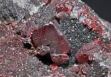 Mercurio elemento wikipedia la enciclopedia libre cristales de cinabrio con su caracterstico color rojo oscuro minas de almadn ciudad real espaa urtaz Gallery