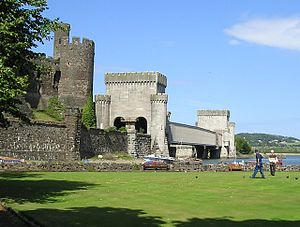 North Wales Coast Line - Image: Conwy bowling green and railway bridge