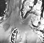 Cooper Glacier, valley glacier with firn line and bergschrund, September 17, 1966 (GLACIERS 6461).jpg