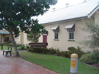 Cooroy, Queensland - Image: Cooroy Memorial Hall & School of Arts