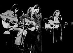 Da sinistra Neil Young, David Crosby, Graham Nash e Stephen Stills nel 1970