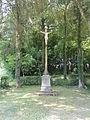 Cuiry-lès-Iviers (Aisne) croix de chemin sortie vers Bruhehamel.JPG