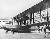 Curtiss NC-1 3 October 1918- initial three engine configuration.jpg